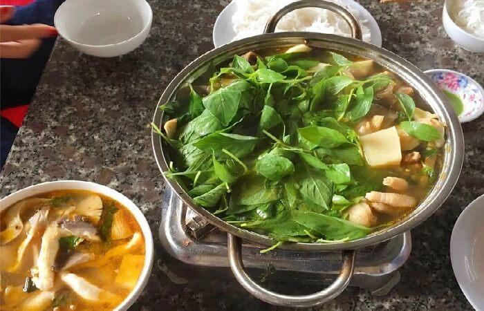 Cách nấu lẩu gà lá é - lá quế