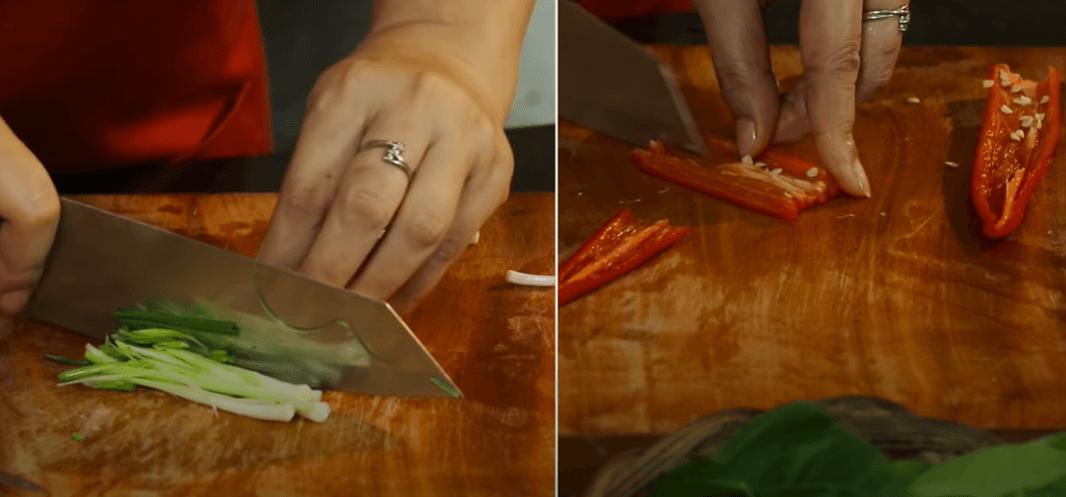 Cách làm nộm gà hành tây